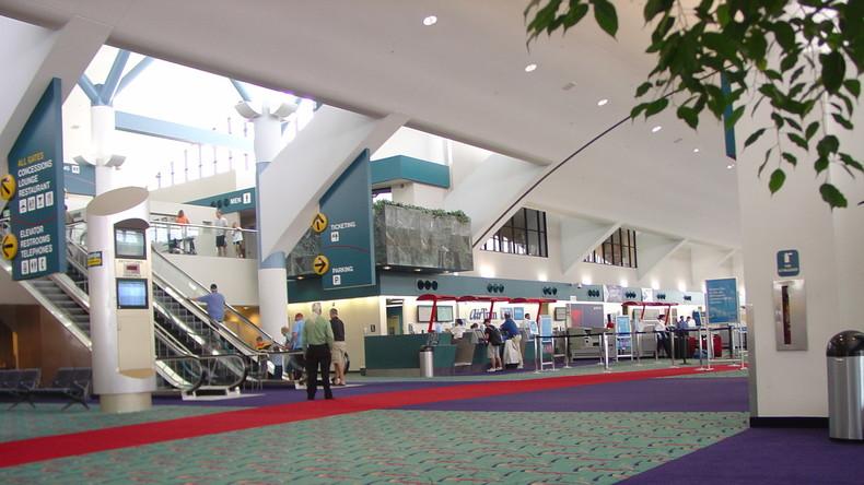 Flughafen im US-Bundesstaat Michigan nach Messerattacke auf Polizisten evakuiert