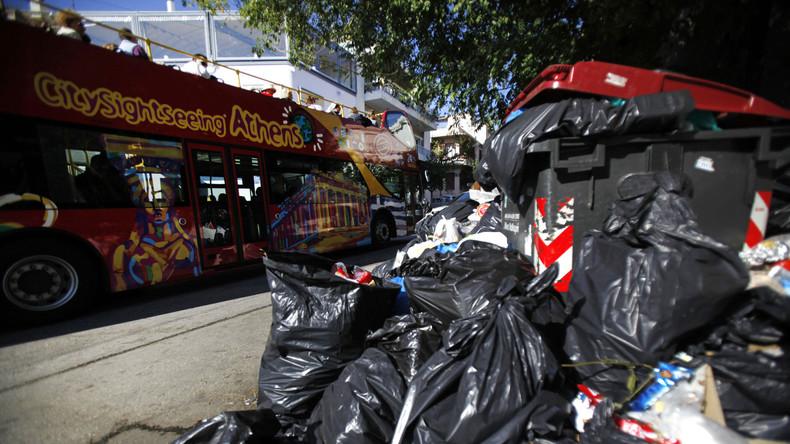 Ein Staat versinkt im Müll: Griechische Regierung entlässt 10.000 Müllmänner als Sparmaßnahme