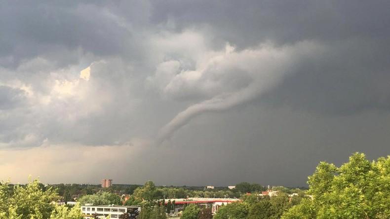 Wetterdienst: Tornado in Hamburg - Gefahr für Nordosten