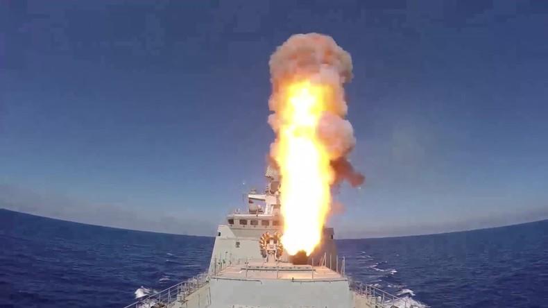 Russische Kriegsschiffe feuern Raketen auf IS in Syrien ab