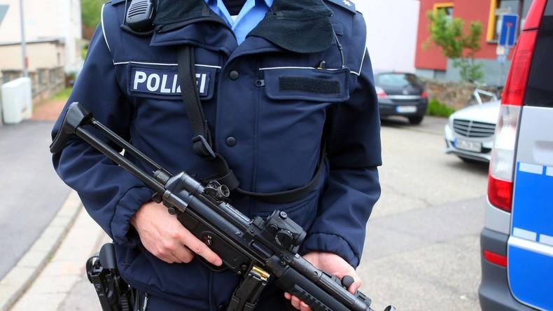 Großrazzia gegen rechte Szene in Thüringen - Ein Mann festgenommen, zwei Beamte verletzt