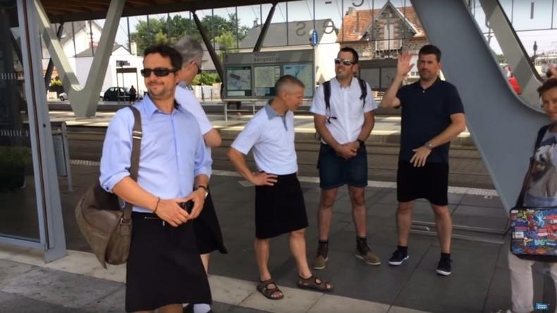 Französische Busfahrer kommen im Rock zur Arbeit – weil sie keine Shorts tragen dürfen
