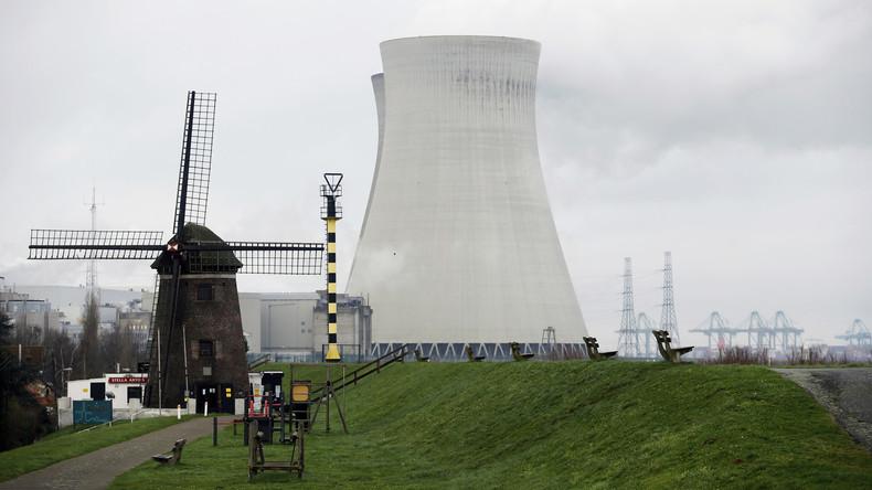 Tausende protestieren mit Menschenkette gegen belgische Atommeiler