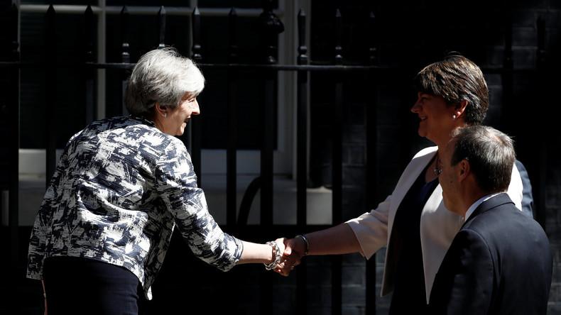Großbritannien einigt sich auf Minderheitsregierung