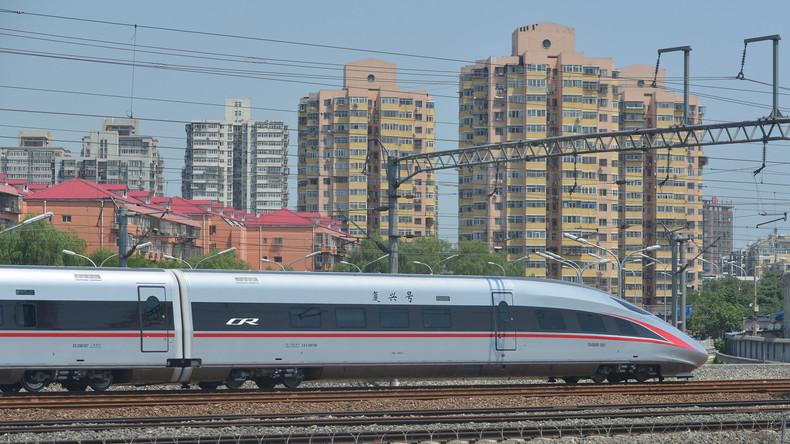 Bald auch in Russland? China nimmt ersten eigenen Hochgeschwindigkeitszug in Betrieb