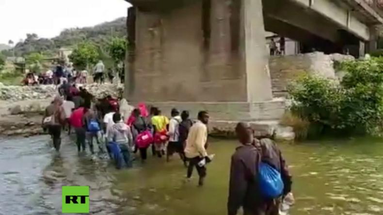 Italien: Hunderte Flüchtlinge und Migranten starten Fußmarsch zur französischen Grenze