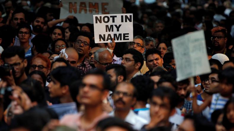 """""""Nicht in meinem Namen"""": Tausende Inder demonstrieren gegen Lynchmord"""