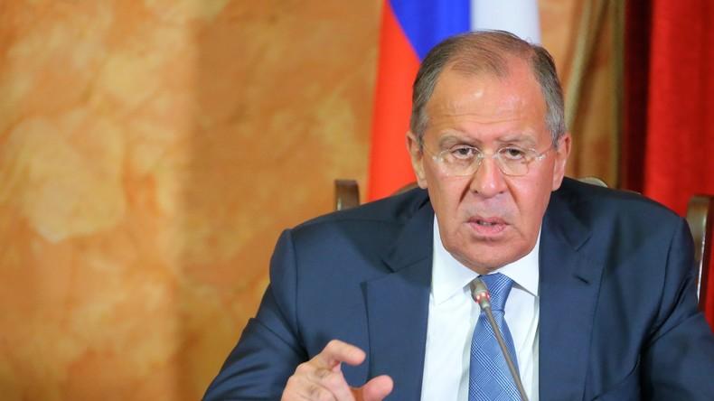 Lawrow: Moskau wird auf mögliche US-Provokationen gegen Syrien angemessen und würdevoll reagieren