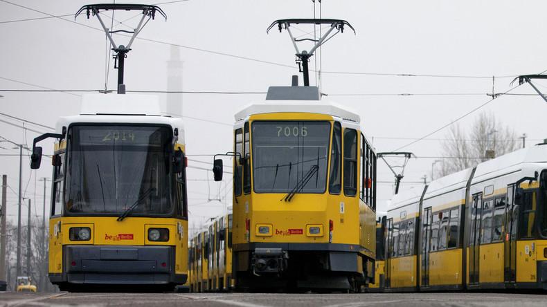 Fast 30 Verletzte bei Straßenbahn-Unfall in Berlin