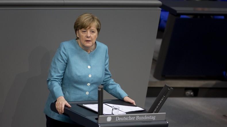 Merkel sagt Italien Hilfe bei Bewältigung des Flüchtlingsandrangs zu