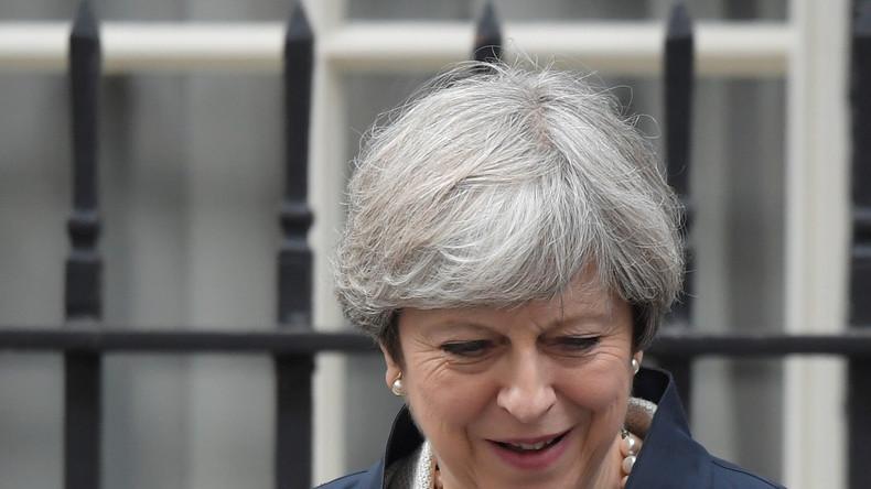 Theresa May gewinnt knapp Vertrauensvotum im Parlament