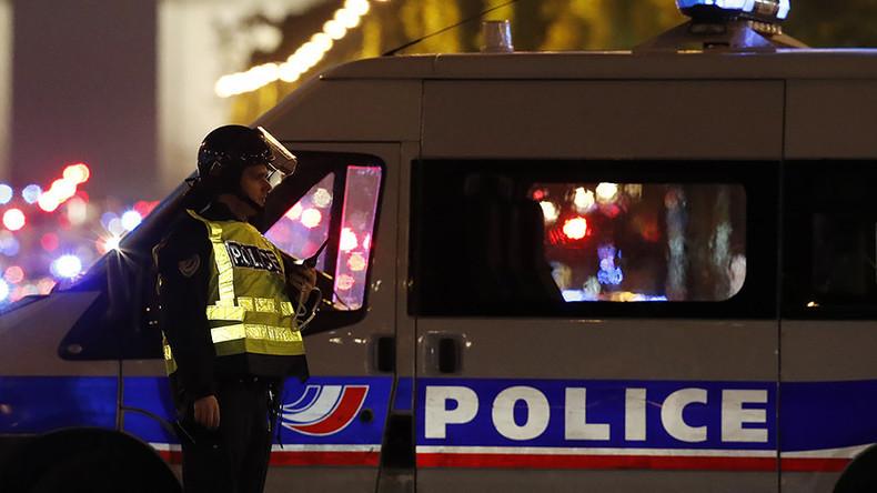 Frankreich: Mann versuchte Fahrzeug in Menschenmenge zu steuern - Fahrer wollte Rache nehmen