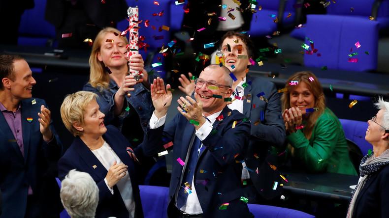 Bundestag stimmt Ehe für alle zu – Merkel stimmt dagegen