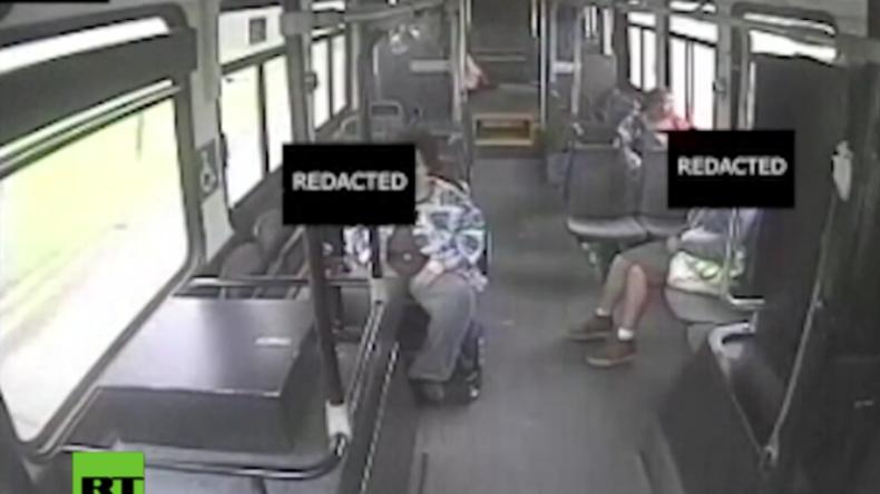 USA: Dramatisches Video zeigt Kollision mit Linienbus bei hoher Geschwindigkeit