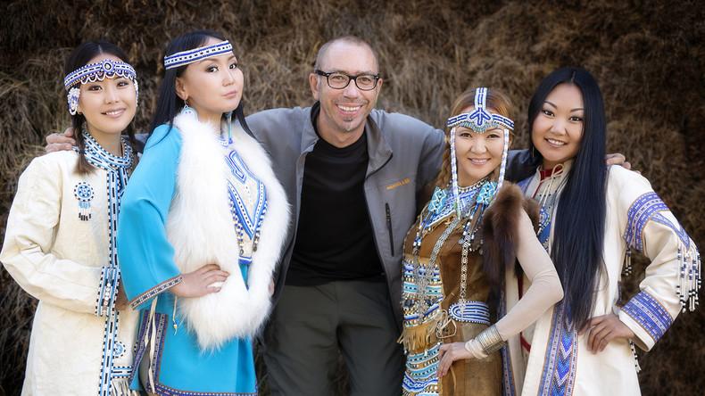 Fotograf in Sibirien: Farbenfrohe Sammlung von Ureinwohner-Porträts  entstand nach 25.000 Kilometer