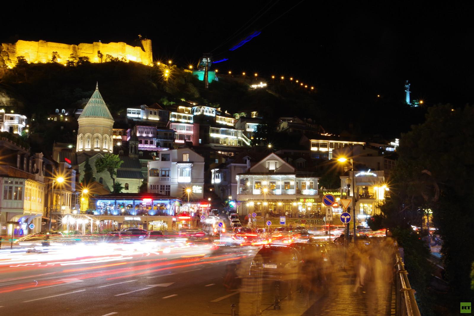 Von Lissabon nach Wladiwostok: Georgien vs. Aserbaidschan - Jana und Dima erobern den Osten