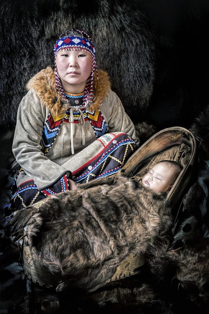 Ewenken-Mutter mit Kind