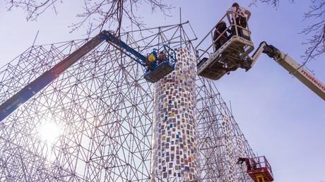 Auf der Documenta 14 will die Künstlerin Marta Minujín aus 100.000 Büchern den Athener Parthenon-Tempel nachbauen.