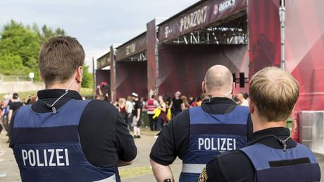 Polizisten bei Rock am Ring, Deutschland, 2. Juni 2017.