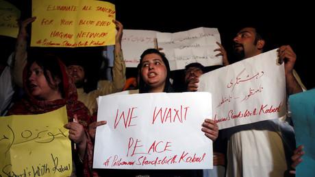 Proteste gegen die Anschläge in Afghanistan; Peschawar, Pakistan, 3. Juni 2017.