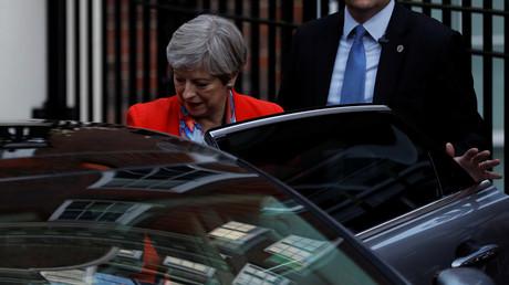 Die britische Premierministerin Theresa May nach Bekanntwerden des  ernüchternden Wahlergebnis