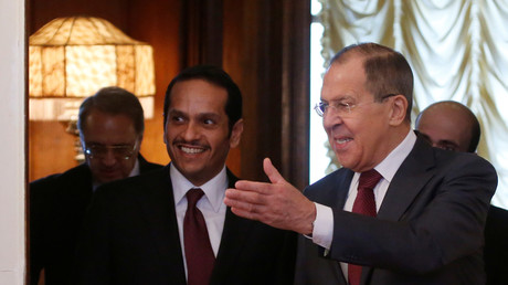 Der russische Außenminister Sergej Lawrow und sein katarischer Amtskollege Scheich Mohammed bin Abdulrahman bin Jassim Al-Thani in Moskau, Russland, 15. April 2017.