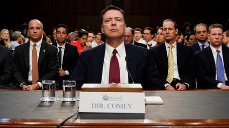 Noch in der vergangenen Woche nahm Ex-FBI-Direktor James Comey vor dem US-Senat auf einem Zeugenstuhl Platz. Bald könnte er sich auf der Anklagebank wiederfinden.