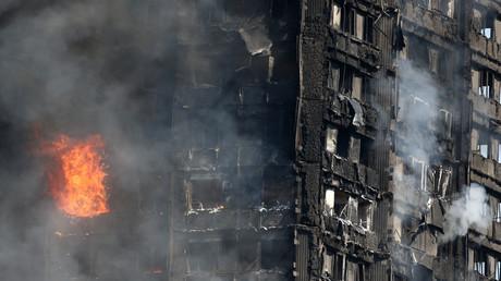 Das brennende Gebäude in London, Großbritannien, 14. Juni 2017.