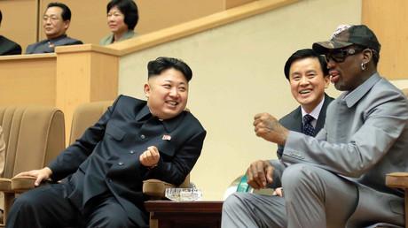 Dennis Rodman und Kim Jong-un bei einem Basketballspiel in Pjöngjang, Nordkorea, 9. Januar 2014.