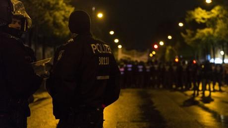 Polizistin erleidet Verletzungen bei Ausschreitungen in Rigaer Straße (Archivbild)