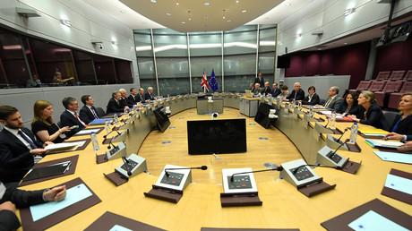 In Brüssel kamen am Montag erstmals die Unterhändler der EU und Großbritanniens zusammen, um den Austritt des Königsreichs aus dem Staatenbund zu verhandeln.