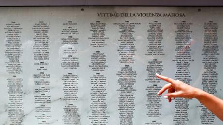 Mehrere Mafiavereinigungen sollen in Italien jährlich Dutzende Menschen töten. In Deutschland gelangen die Machenschaften der kriminellen Syndikate nur selten an die Öffentlichkeit.