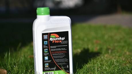 Bundeslandwirtschaftsminister Christian Schmidt möchte die Genehmigung des umstrittenen Pflanzenschutzmittels Glyphosat verlängern lassen.