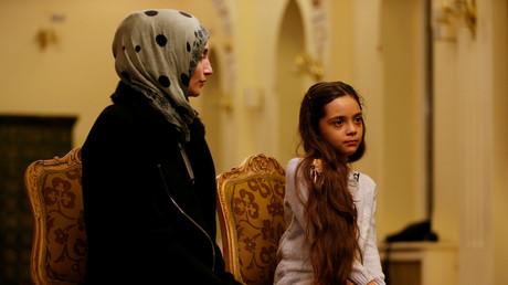 Bana Alabed neben ihrer Mutter Fatemah bei einem Interview mit Reuters in Ankara, Türkei, 22. Dezember 2016.