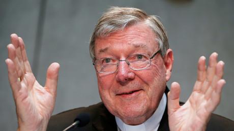 Der unter Missbrauchs-Verdacht stehende Finanzchef des Vatikan, George Pell, wäscht seine Hände in Unschuld