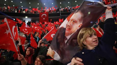 Anhänger Erdogans in Oberhausen, Deutschland, 18. Februar 2017.