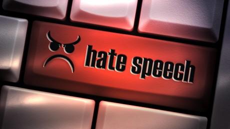 Bundestag nimmt umstrittenes Gesetz gegen Hass im Netz an