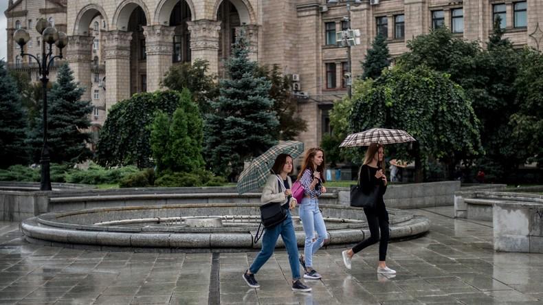 Starke Regenschauer in der Ukraine: 17 Verletzte, 745 Ortschaften ohne Strom
