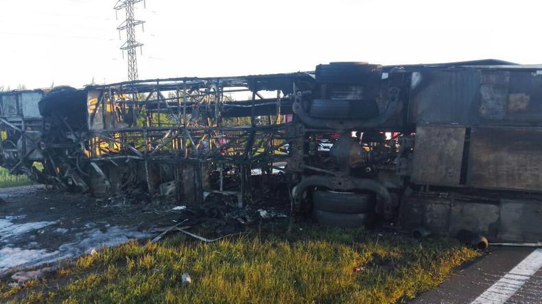 Nächtlicher Busunfall in Russland: Zahl der Todesopfer steigt auf 14