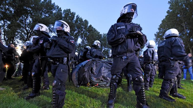 G20-Gipfel: Proteste haben begonnen – Polizei geht gegen genehmigtes Camp vor