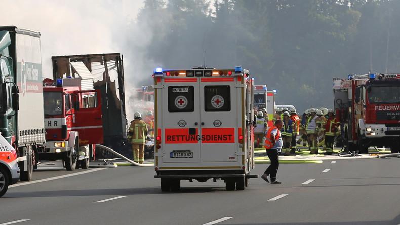 18 Todesopfer des Busunglücks auf A9 geborgen