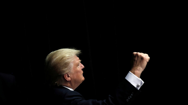 """Medien-Wrestling: Trump """"knockt CNN aus"""""""