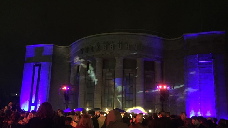 Castorfs Abschiedsparty an der Volksbühne Berlin: Auftritt der Ich-Maschinen