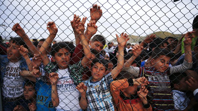 Von tausenden Flüchtlingen werden nachträglich Fingerabdrücke genommen