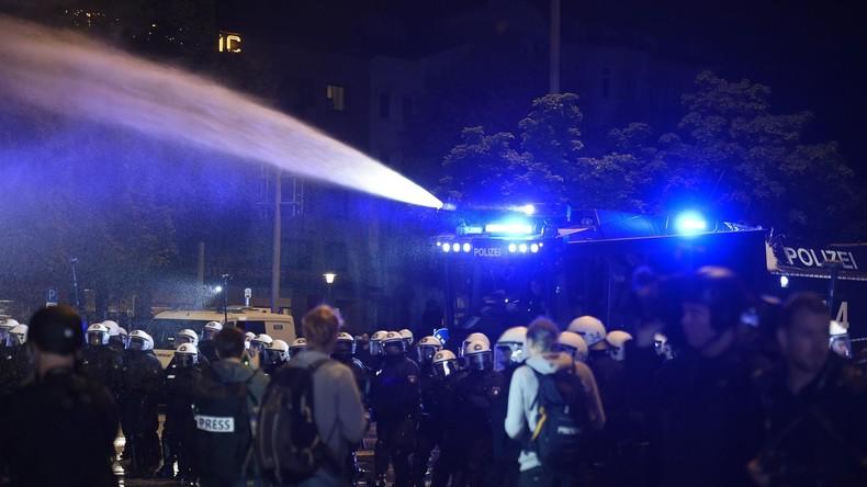 G20-Gipfel: Polizei setzt Wasserwerfer gegen Demonstranten ein