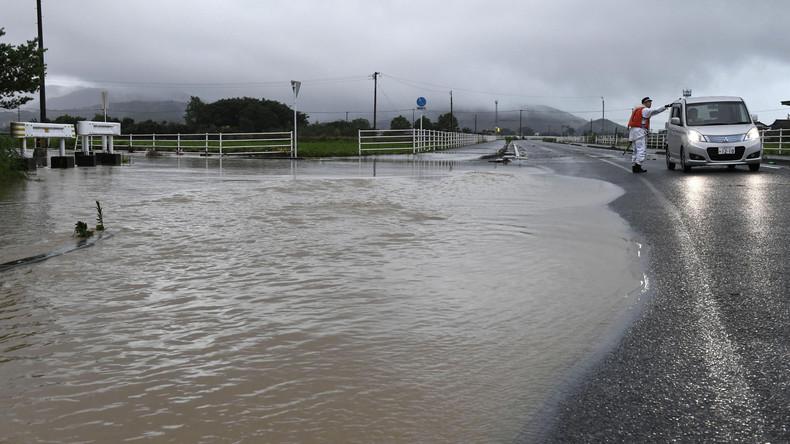 Massenevakuierungen wegen Überflutungsgefahr in Japan