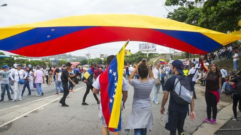 Überfall auf Parlament in Venezuela - Angriff auf Abgeordnete