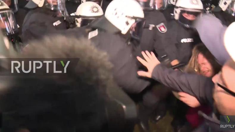 Hamburg im G20-Fieber: Tränengas und Schlagstöcke gegen Gipfelgegner