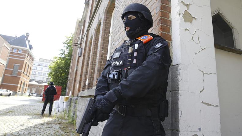 Belgische Polizei fahndet nach weiteren Terrorverdächtigen