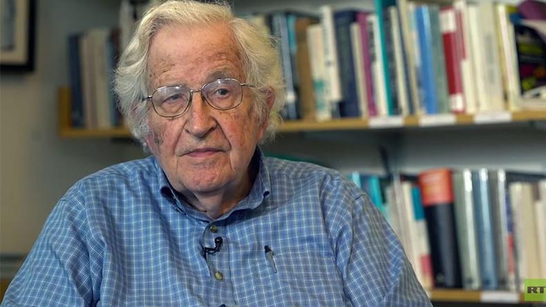 Chomsky im RT-Gespräch: Kritik an Politik ist anti-amerikanisch - so was passiert nur in Diktaturen
